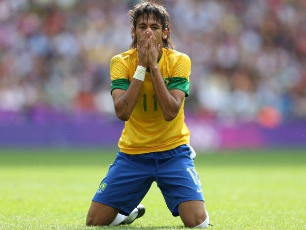 Neymar był załamany po porażce. Mariusza Piekarski uważa, że nie powinien pojawić się na boisku (fot. Getty Images)