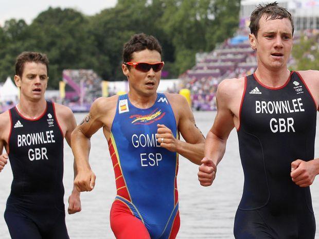 Bracia Brownlee i Javier Gomez podzielili się medalami w triathlonie (fot. Getty Images)