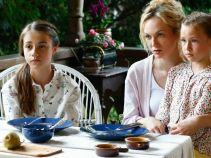 Sylwia zaprasza bratanice na śniadanie. Dziewczynki są świadkami... schadzki babci! (fot. TVP)