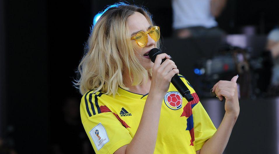 Natalia Nykiel na próbie pojawiła się w koszulce reprezentacji Kolumbii w piłce nożnej (fot. N. Młudzik/TVP)