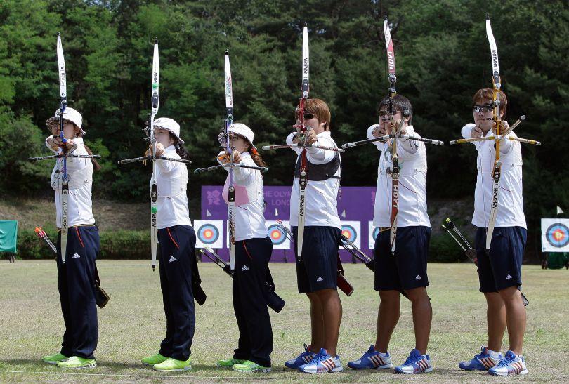 Od lewej: Ki Bo-Bae, Lee Sung-Jin, Kim Bub-Min, Oh Jin-Hyek i Im Dong-Hyun (fot. Getty Images)