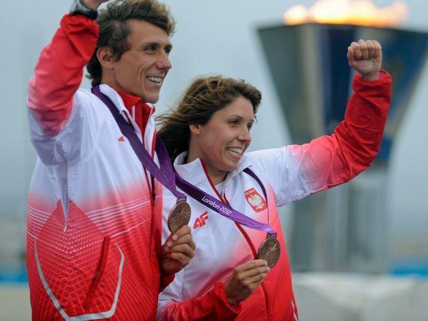 Polacy wskoczyli na podium po świetnych wyścigach medalowych (fot. PAP/EPA)