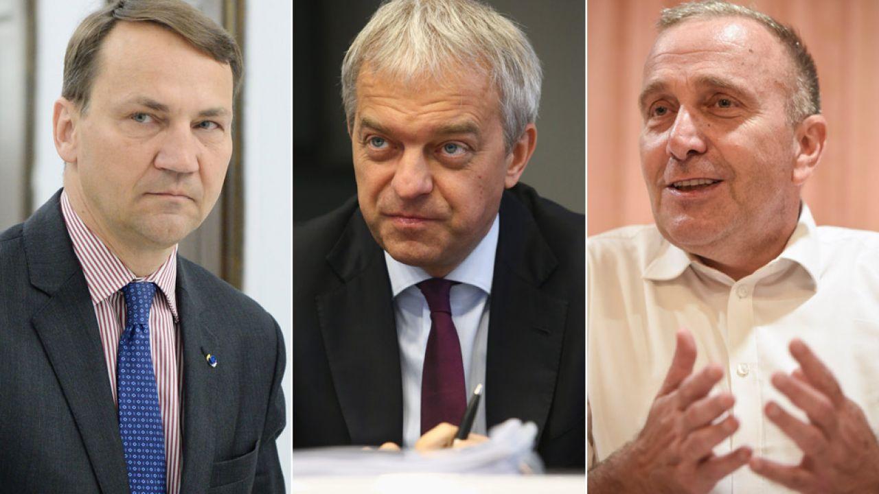 Od lewej Radosław Sikorski, Jacek Krawiec i Grzegorz Schetyna (fot. arch.PAP/Jacek Turczyk/Marcin Bednarski/PAP/Roman Jocher)