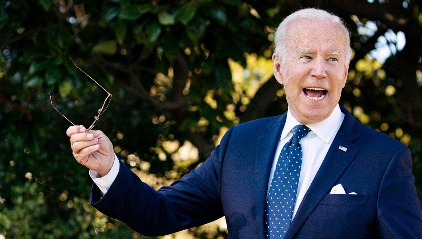 """Joe Biden nazwał zakaz aborcji dzieci z bijącym sercem """"bezprecedensowym zamachem na konstytucyjne prawa kobiet"""" (fot. PAP/EPA/Al Drago / POOL)"""