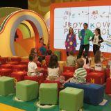 Przedszkolaki poznają nowe literki i uczą się wielu piosenek (fot. TVP)