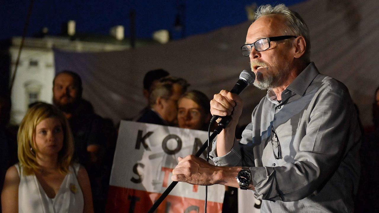 Paweł Kasprzak rozważa jednak start w wyborach (fot. PAP/Jakub Kamiński)
