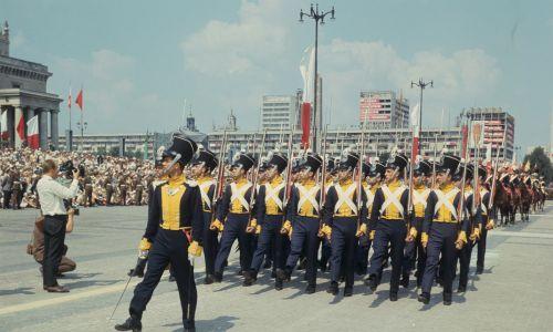 Szli nawet żołnierze od Napoleona. Fot. PAP/Mariusz Szyperko