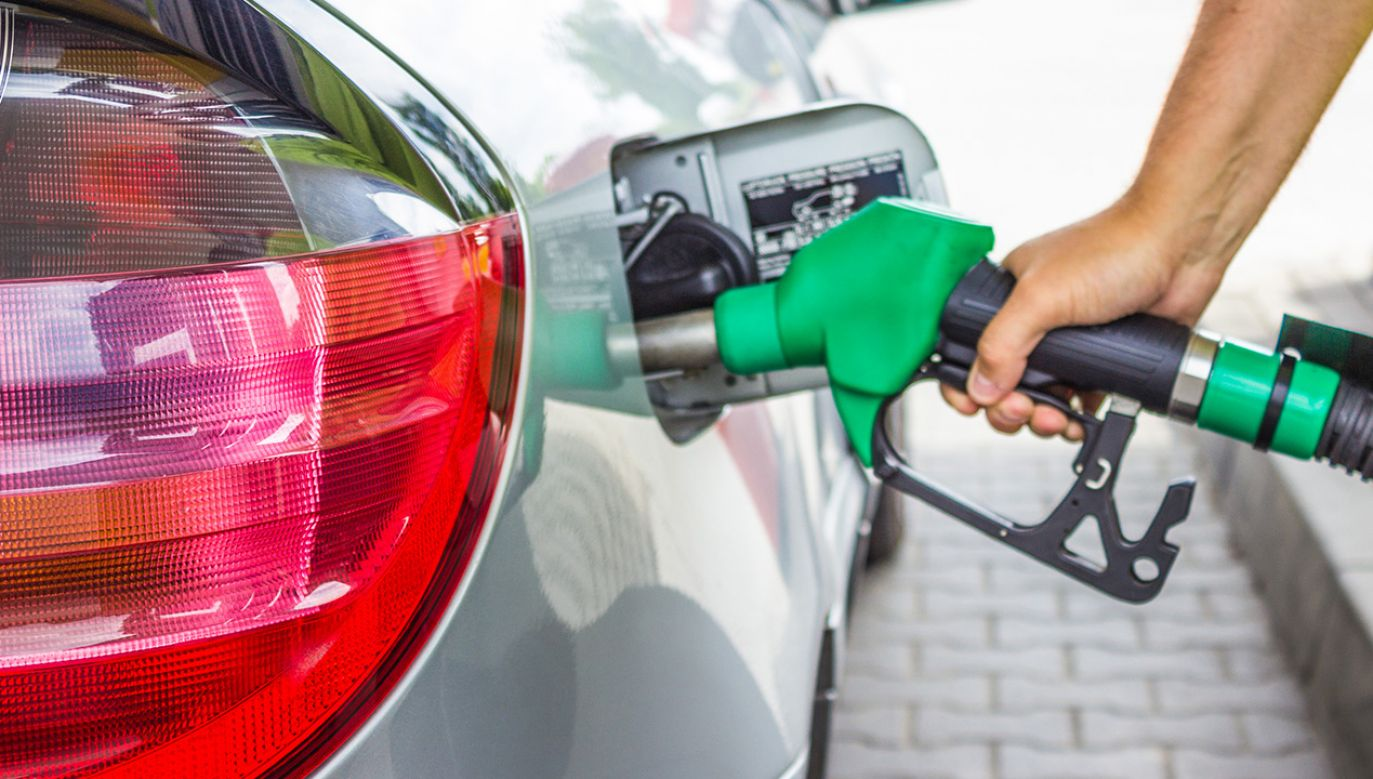 Średnie ceny paliw na stacjach w Polsce (fot. Shutterstock)