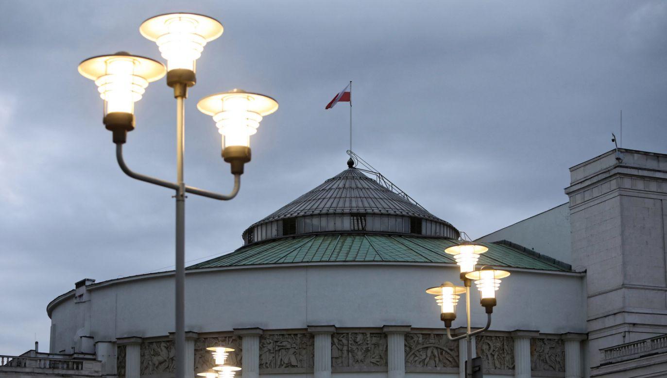 Gdyby wybory parlamentarne odbyły się pod koniec marca, prognozowana frekwencja wyniosłaby 45 proc. (fot. PAP/Leszek Szymański)