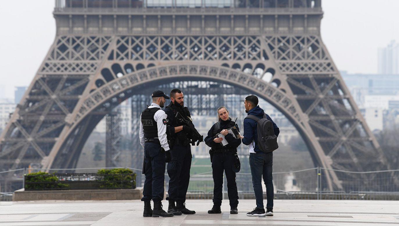 Lekarze zarzucają rządowi narażenie obywateli na zagrożenie życia i zdrowia (fot. Pascal Le Segretain/Getty Images )