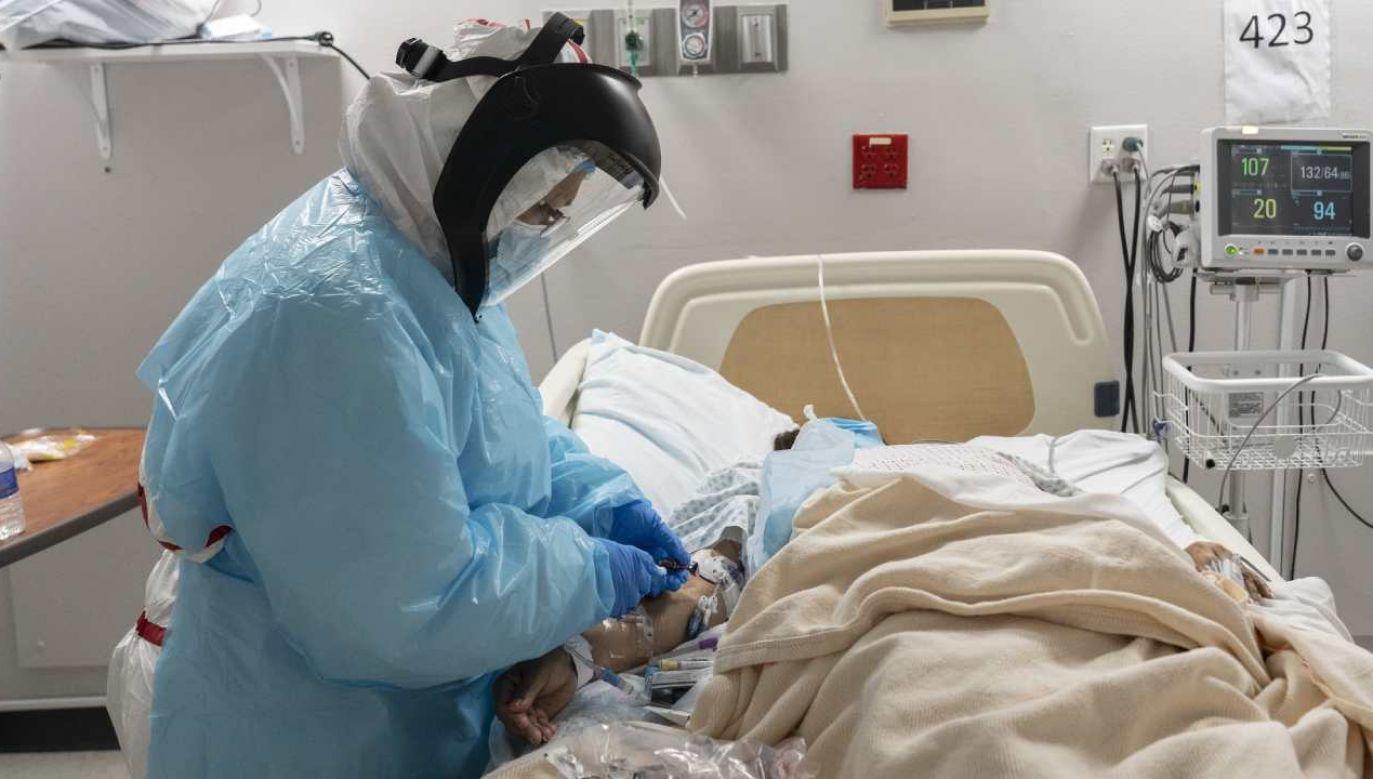 W USA zarejestrowano ponad 111,6 tys. kolejnych przypadków zakażenia koronawirusem (fot. Go Nakamura / Getty Images)