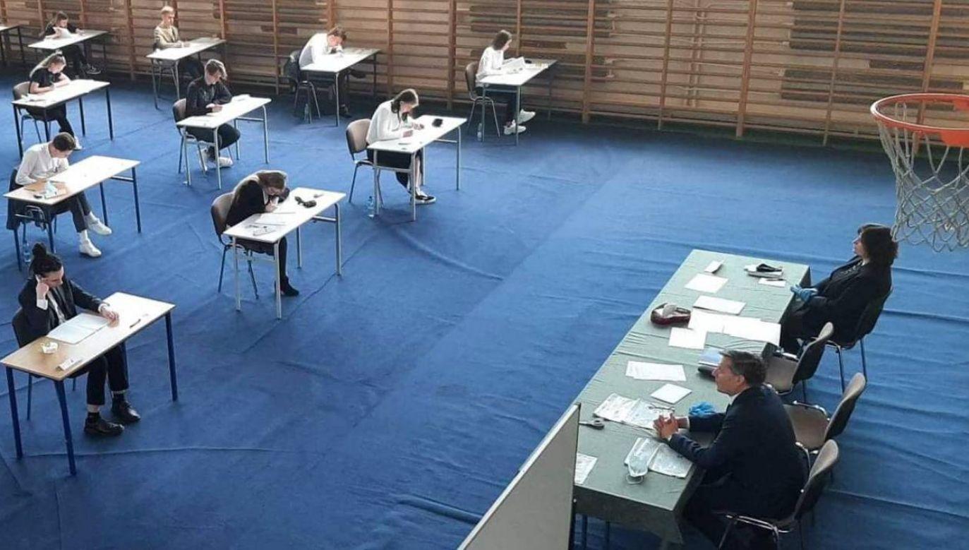 Egzaminy rozpoczną się o godzinie 9 (fot. Gov.pl)