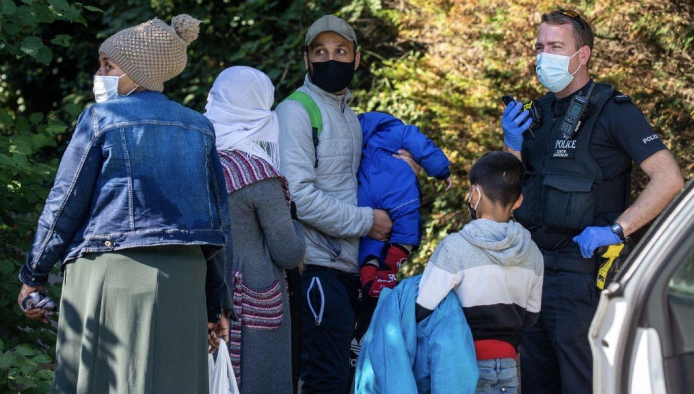 Imigranci ostatecznie trafili do Wielkiiej Brytanii (fot. Luke Dray/Getty Images)