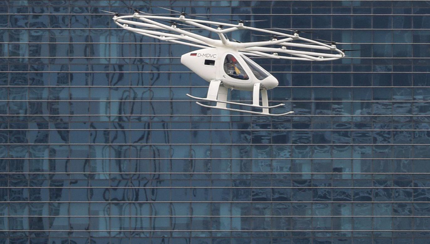 Dzisiejszy przelot w Singapurze był najbardziej zaawansowanym lotem Volocoptera do tej pory (fot. PAP/EPA/WALLACE WOON)