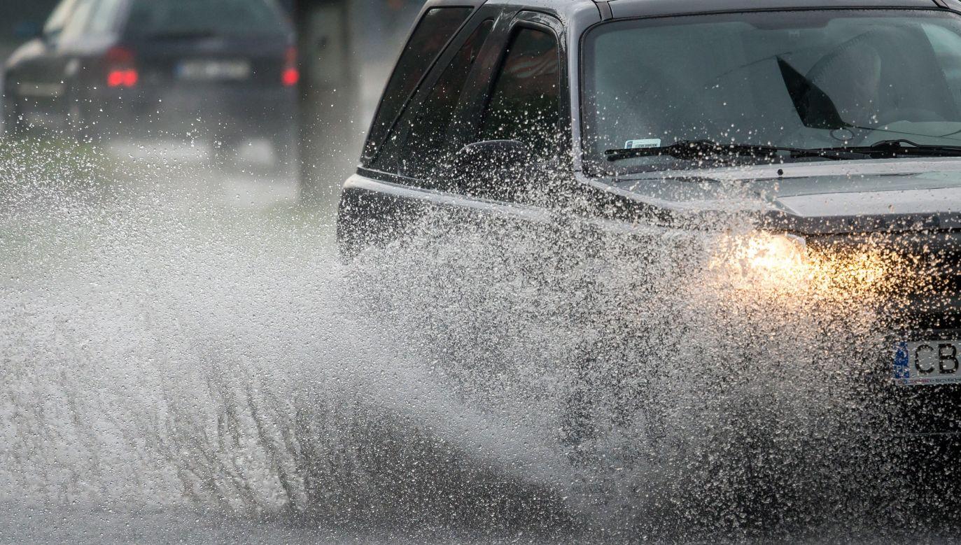 Ostrzeżenia pierwszego stopnia oznaczają, że mogą wystąpić warunki sprzyjające wystąpieniu niebezpiecznych zjawisk meteorologicznych (fot. arch. PAP/Tytus Żmijewski)