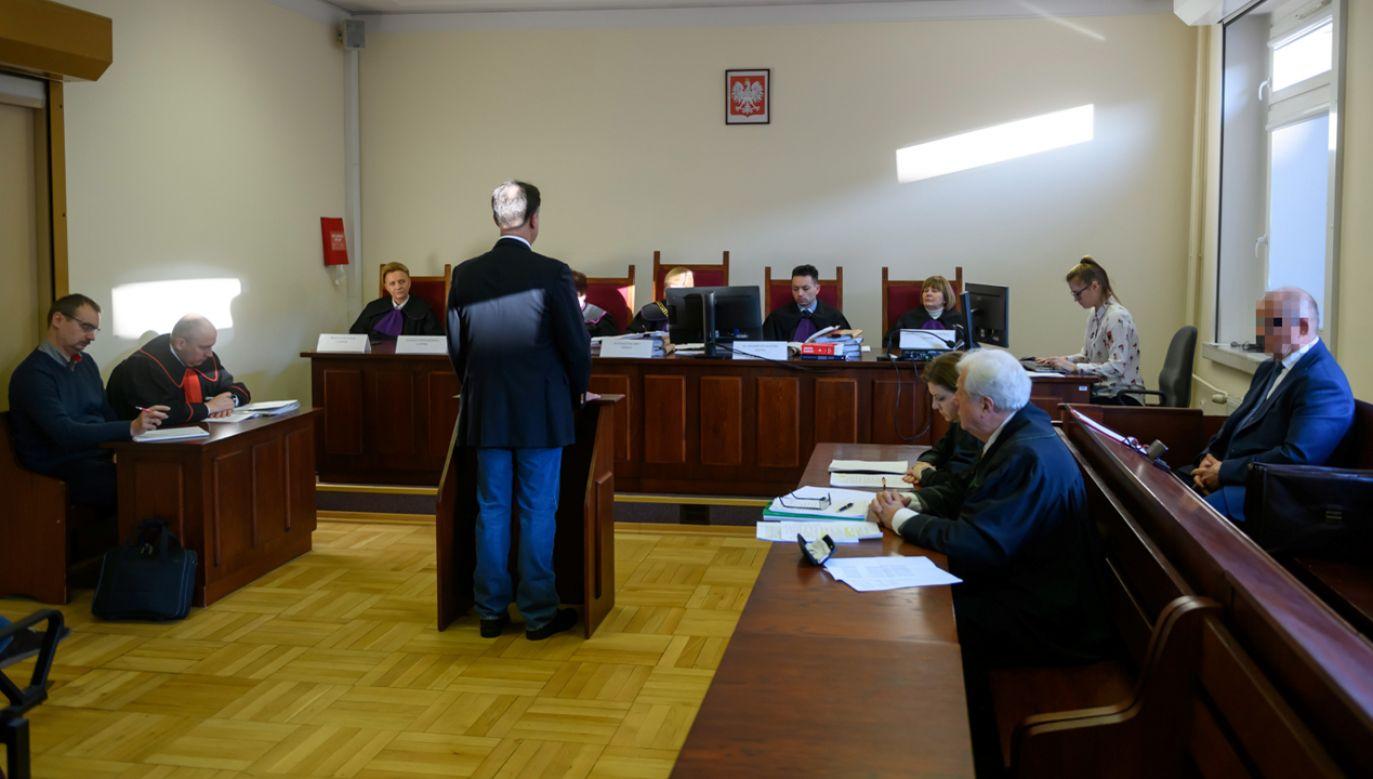 W poznańskim sądzie kontynuowany jest proces przeciwko Mirosławowi R. ps. Ryba i Dariuszowi L. ps. Lala (fot. PAP/Jakub Kaczmarczyk)