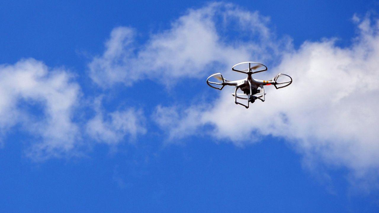 Wkrótce dron zostanie wyposażony w kamerę termowizyjną (fot. Pixabay/Szuwary)