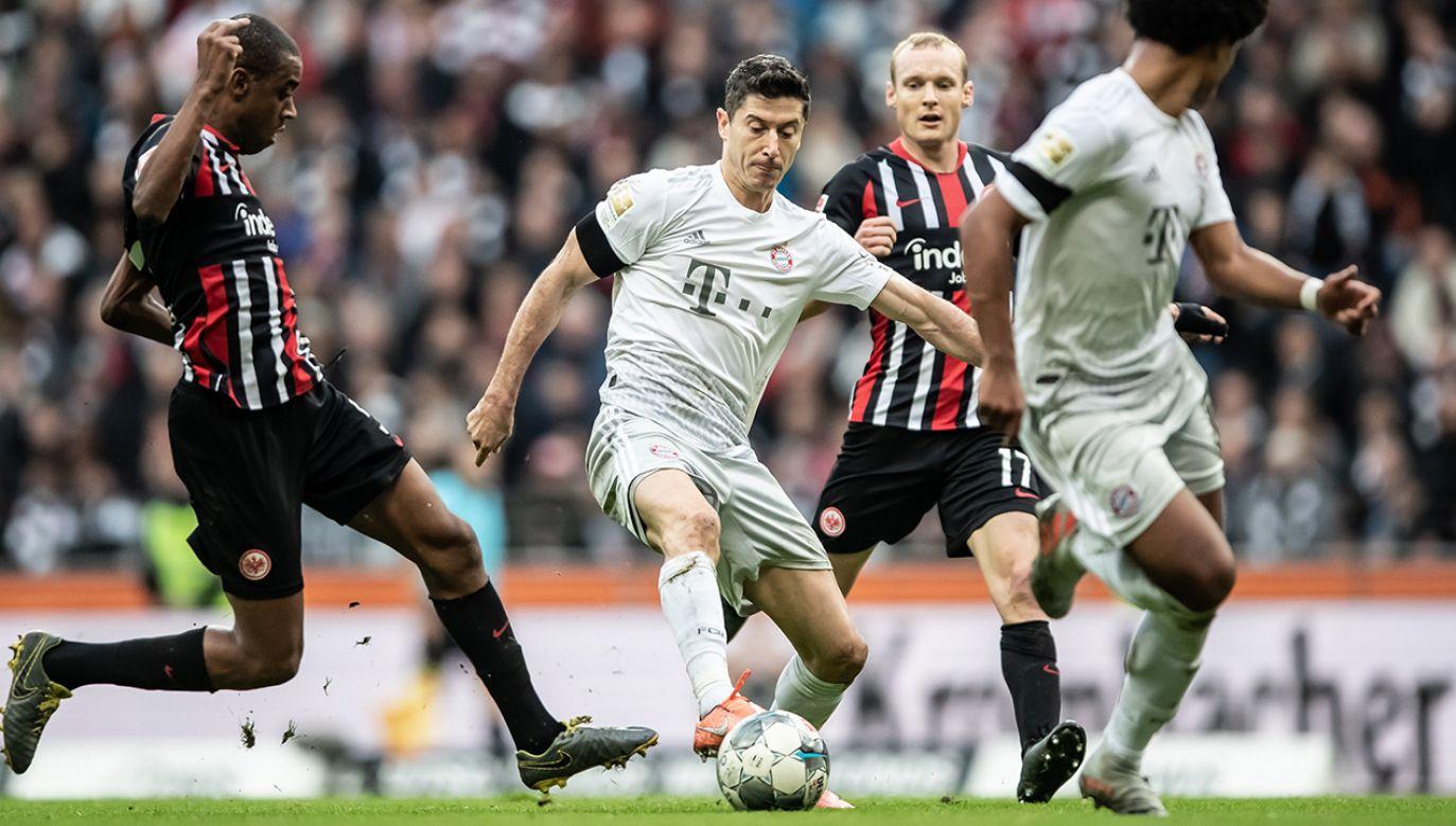 Honorowego gola dla Bayernu w blamażu 1:5 z Eintrachtem strzelił niezawodny Robert Lewandowski (fot. Christian Kaspar-Bartke/Bundesliga Collection via Getty Images)