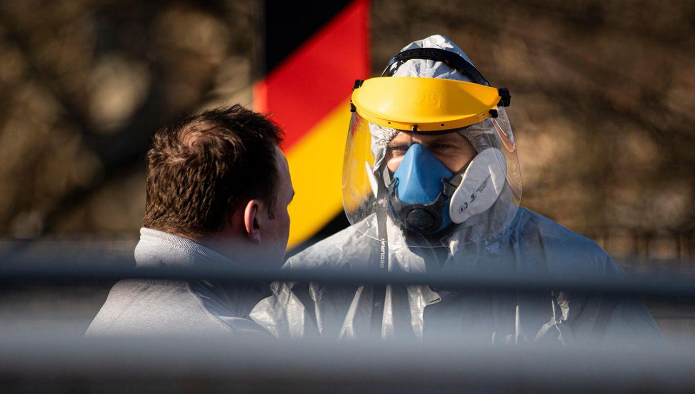 Zatrudnieni w Bawarii pracownicy transgraniczni muszą od piątku poddawać się cotygodniowym badaniom na nosicielstwo koronawirusa (fot. Florian Gaertner/Photothek via Getty Images)