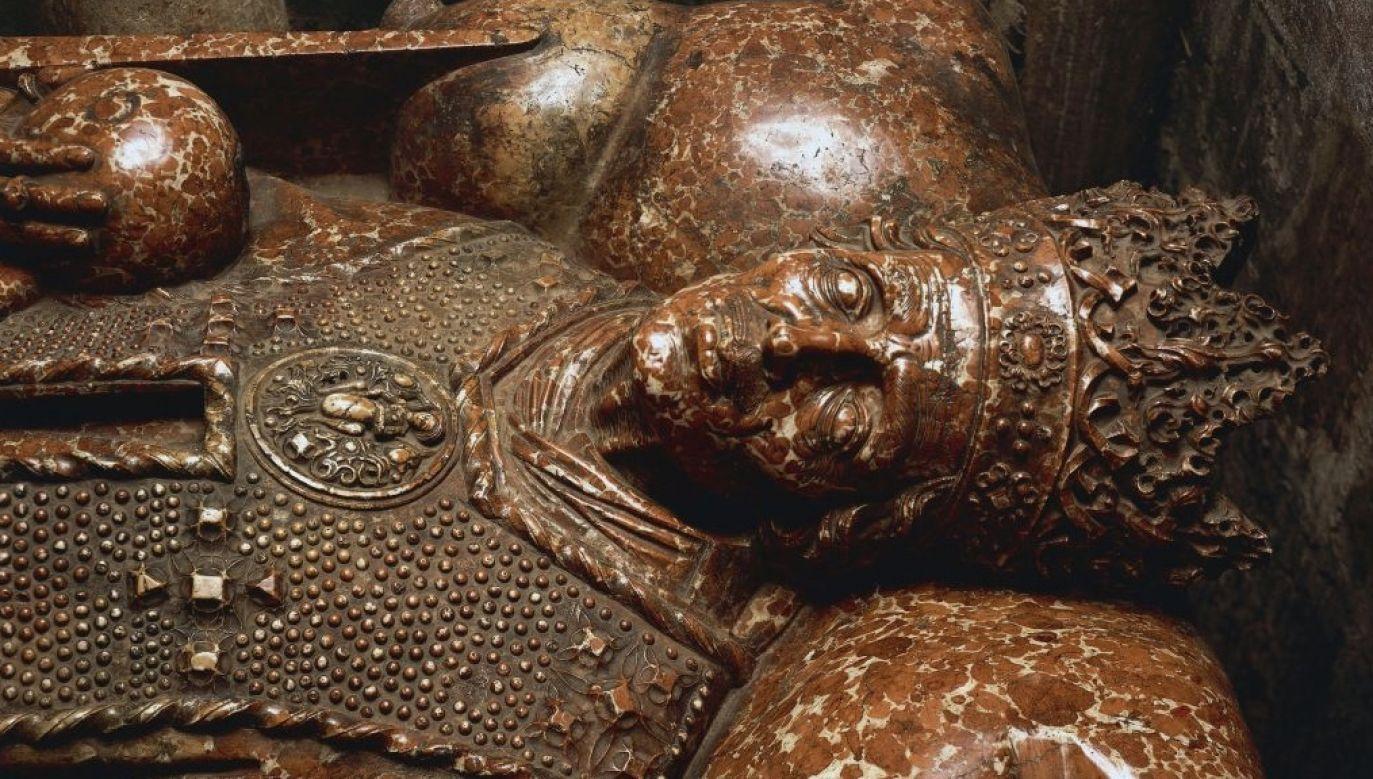 Trwają prace przy grobach królów znajdujących się wewnątrz katedry.(fot. De Agostini Editorial/Getty)