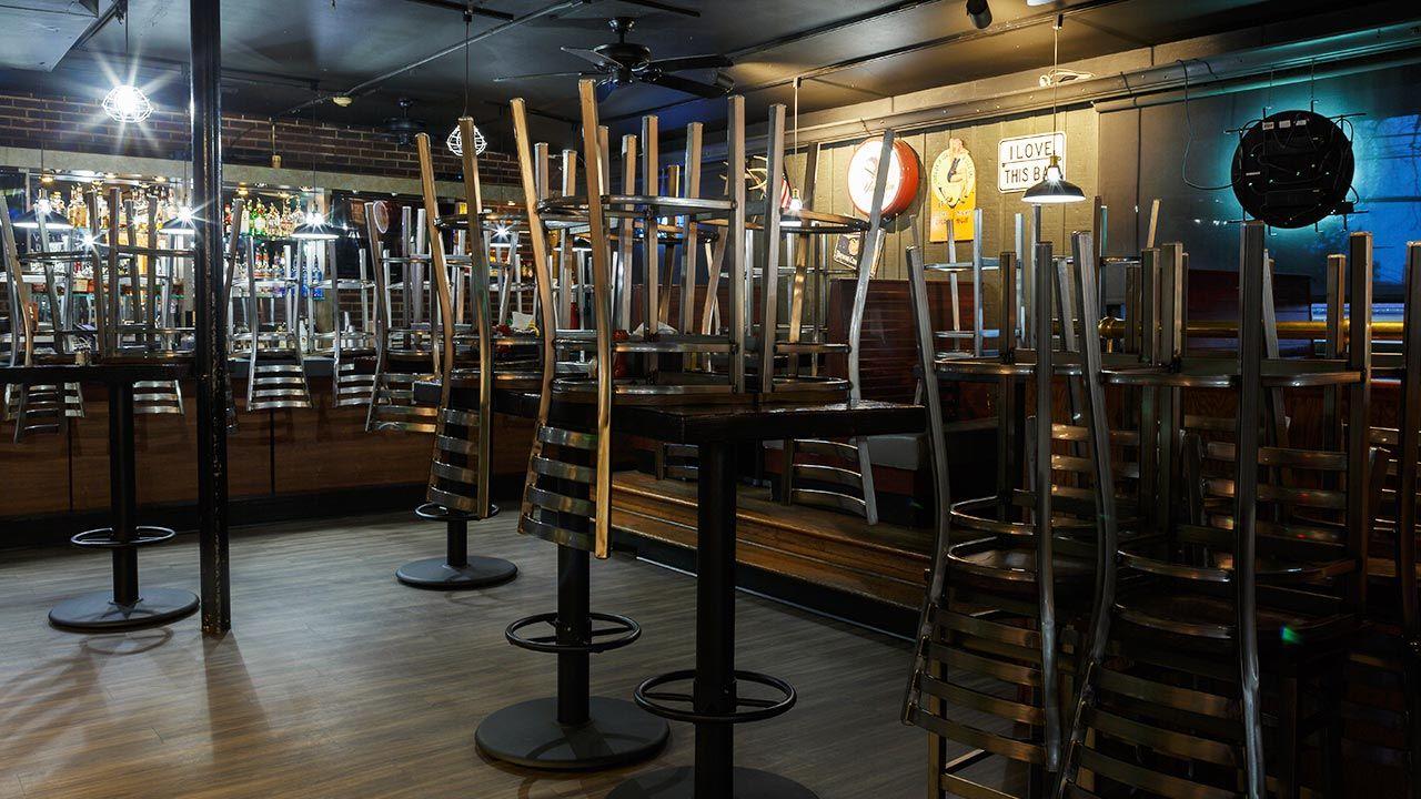 Działalność gastronomii tylko na wynos, została przedłużona do 28 lutego (fot. SHutterstock/ Rick Menapace)