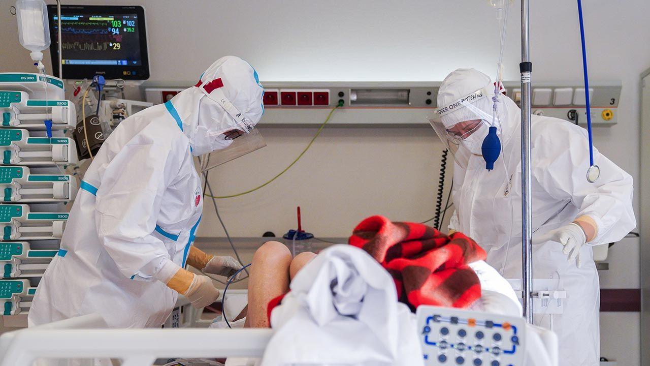 Koronawirus w Polsce i nowe zakażenia (fot. PAP/Leszek Szymański)