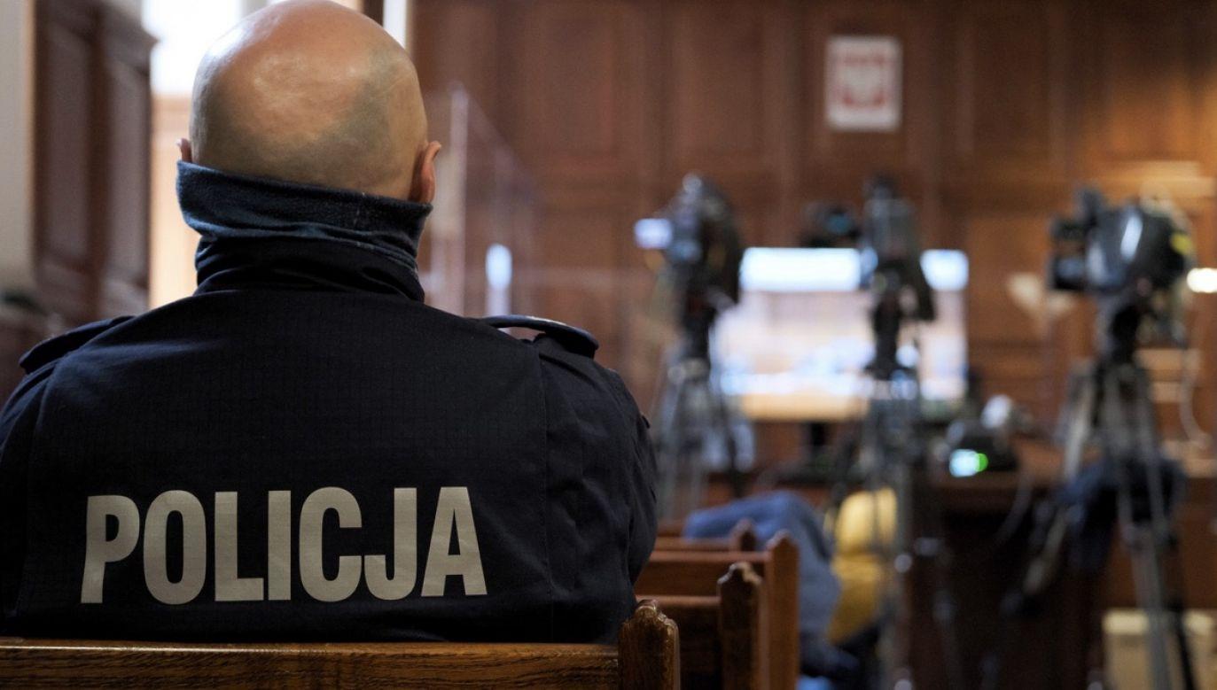 Była pracownica sądu miała wyłudzić od Skarbu Państwa ponad pół miliona złotych (fot. PAP/Mateusz Marek, zdjęcie ilustracyjne)