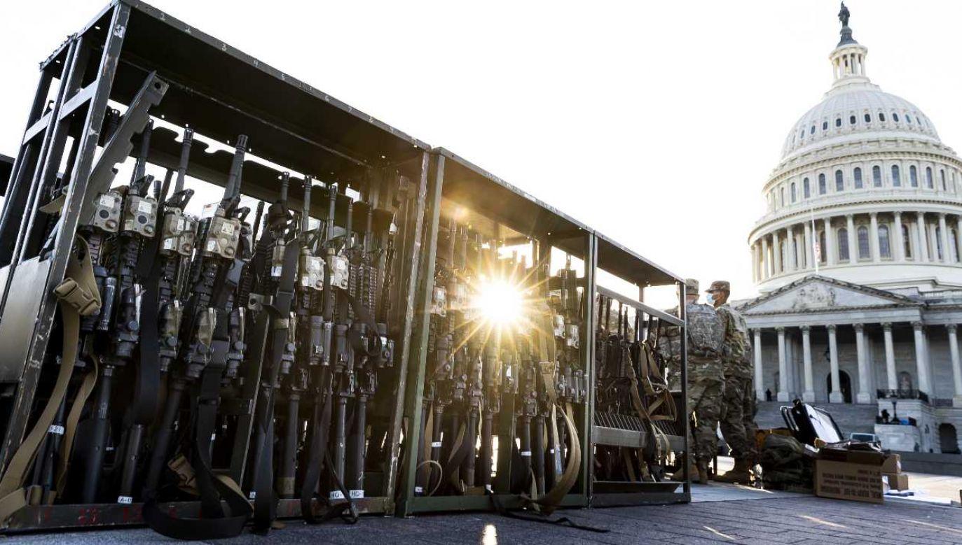 Waszyngton już zabezpiecza ponad 10 tys. żołnierzy Gwardii Narodowej (fot. PAP/EPA/JUSTIN LANE)