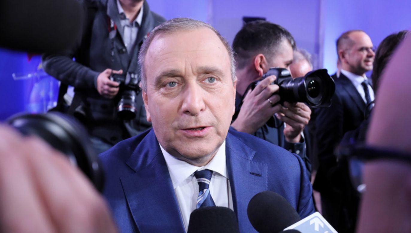"""Grzegorz Schetyna napisał na Twitterze,  że """"każdy sędzia, który założy mundur PiS, będzie potępiony i rozliczony"""" (fot. PAP/Paweł Supernak)"""