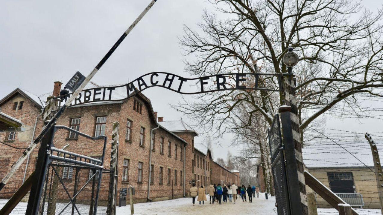 Międzynarodowy Komitet Oświęcimski to związek ocalałych z niemieckiego nazistowskiego obozu zagłady Auschwitz (fot. Artur Widak/NurPhoto/Getty Images)