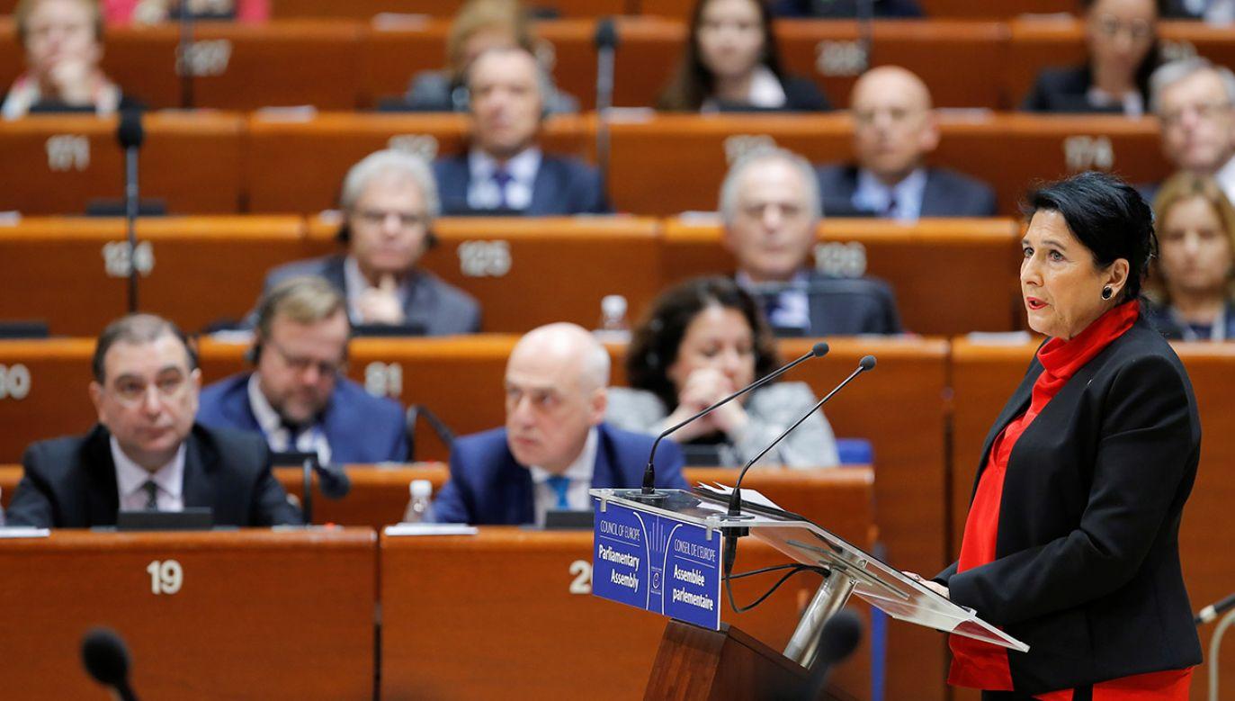 Za rezolucją głosowało 140 delegatów (fot. REUTERS/Vincent Kessler)