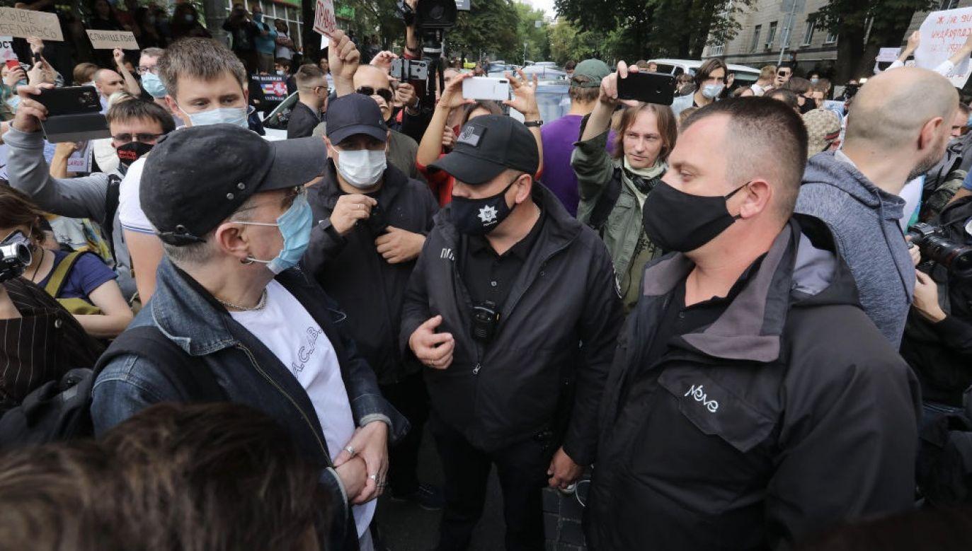 """""""Potrzebujemy dodatkowych sankcji wobec tych, którzy naruszyli wartości demokratyczne lub naruszyli prawa człowieka na Białorusi"""" – napisała Ursula von der Leyen (fot. Yuliia Ovsyannikova/ Ukrinform/Barcroft Media via Getty Images)"""