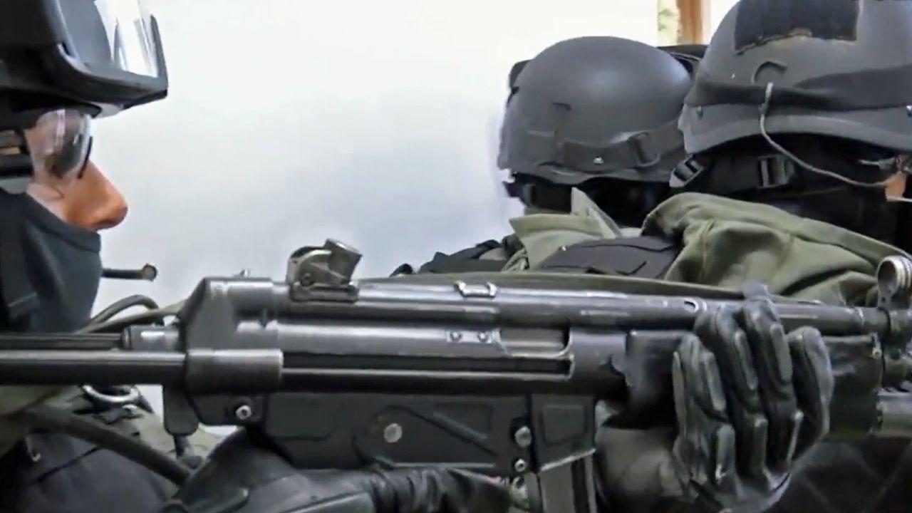 Policjanci przyznają się do pomyłki i zapewniają, że pokryją koszty remontu (fot. You Tube/Polska Policjal)