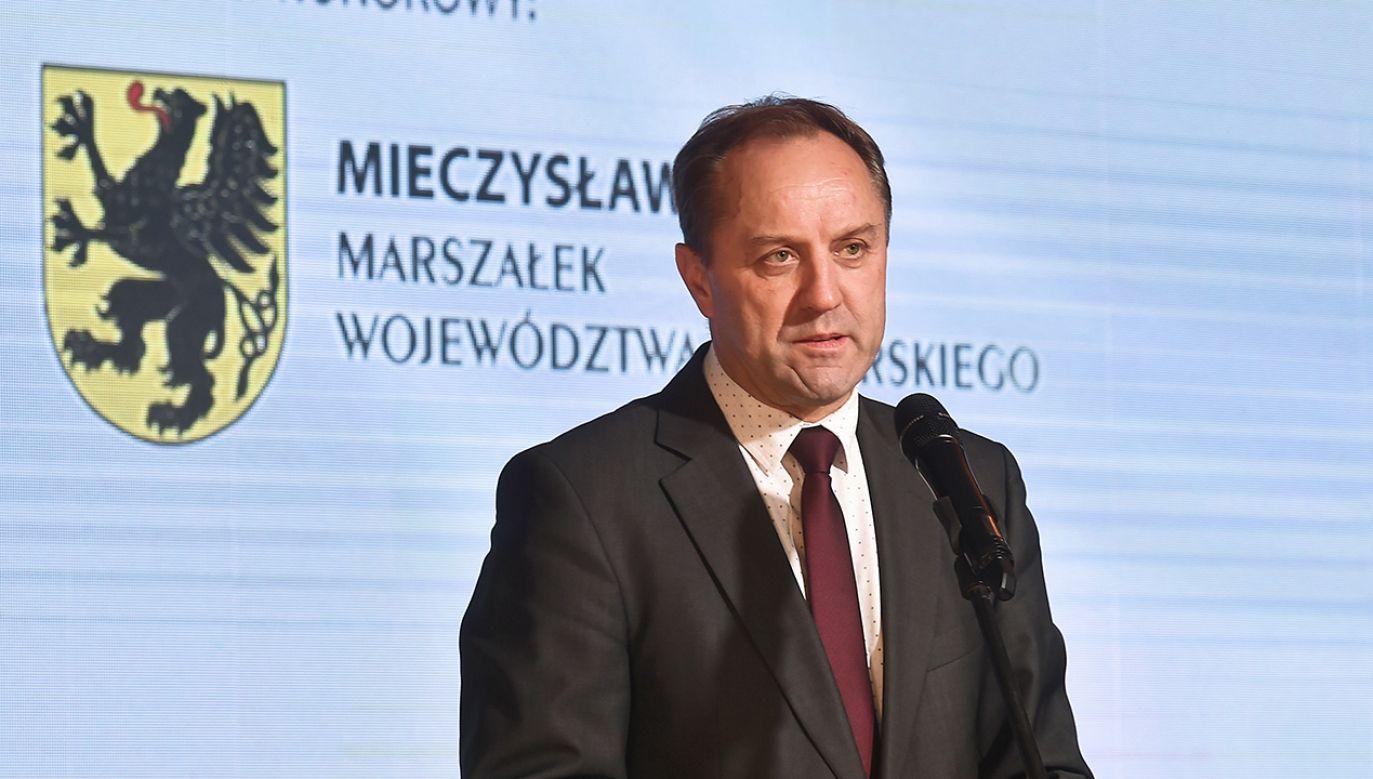 Zarzuty postawione marszałkowi Strukowi są efektem kontroli CBA (fot. PAP/Marcin Gadomski)