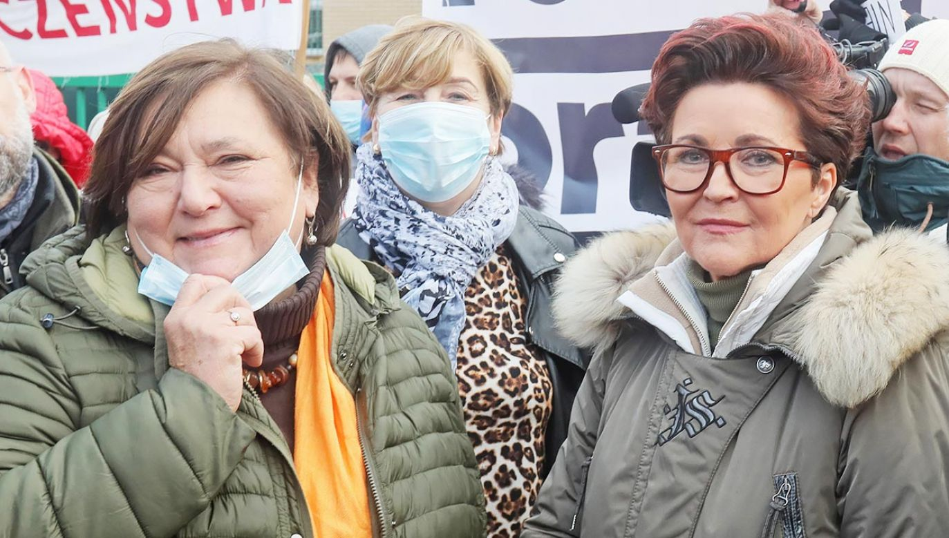 Anna Komorowska (z lewej) i Jolanta Kwaśniewska sobotę spędziły w Michałowie (fot. PAP/Artur Reszko)