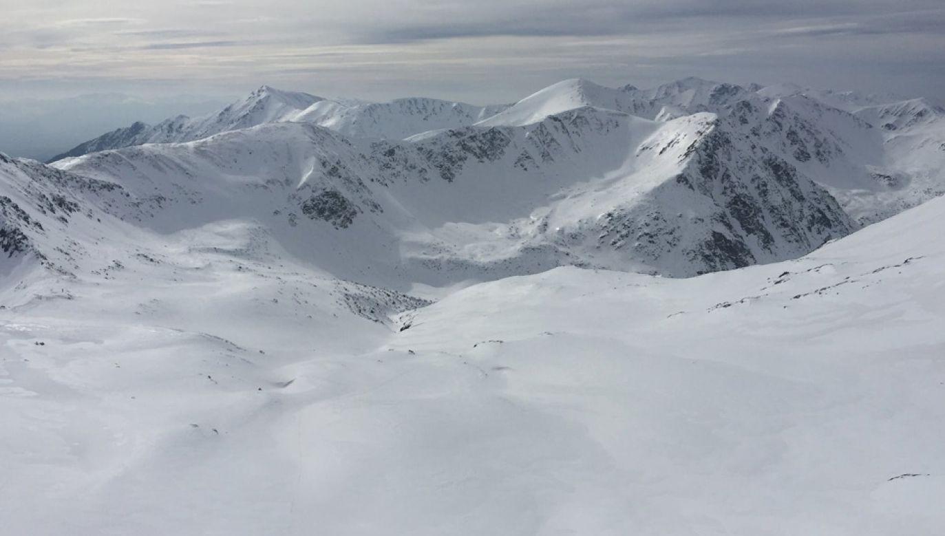 Lawinowa trójka obowiązuje w Tatrach od wysokości 1900 m n.p.m. (fot. Pexels)