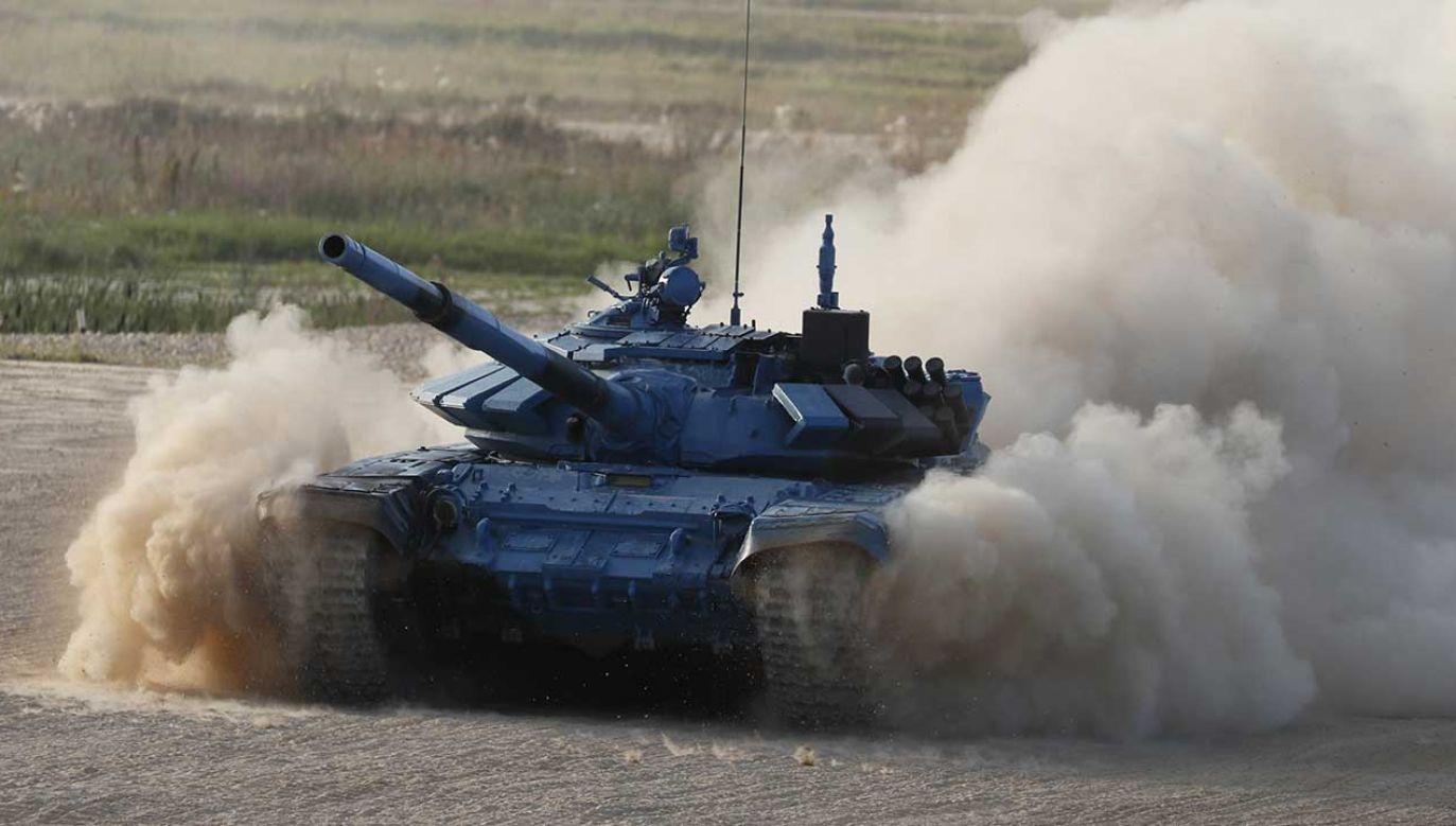 Czołgi T-72 będą modernizowane w zakładach Bumar-Łabędy, gdzie w latach 80. zostały wyprodukowane (fot. arch. PAP/EPA/YURI KOCHETKOV)