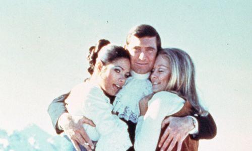 """Bondem ery hipisów miał być George Lazenby. Wbrew legendzie Australijczyk w roli agenta 007 nie wypadł źle, po prostu lato miłości szybko dobiegło końca. Na zdjęciu w filmie """"W tajnej służbie Jej Królewskiej Mości/On Her Majesty s Secret Service"""" z 1969 r., reż. Peter Hunt.  Fot. arch. TVP"""