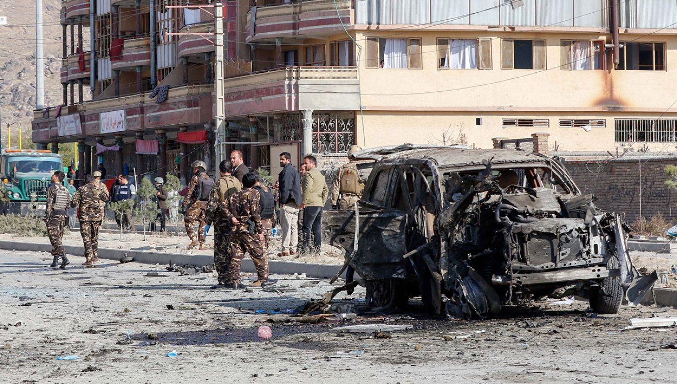W stolicy Afganistanu eksplodował samochód pułapka (fot. PAP/EPA/HEDAYATULLAH AMID)