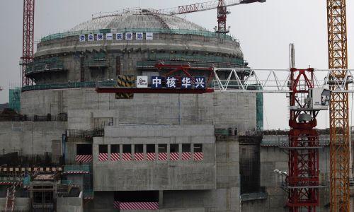 9. miejsce należy do Chin. Elektrownia w Taishan w prowincji Guandong ma moc 5 tys. 430 MW wytwarzanych przez pięć reaktorów PWR o mocy 1086 MW. Na zdjęciu: obiekt jeszcze w czasie budowy. Fot. REUTERS/Bobby Yip