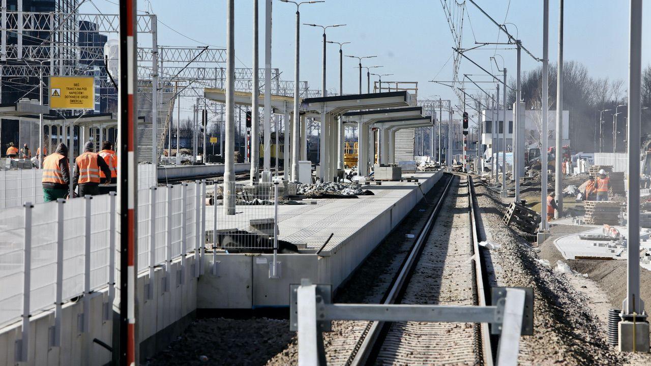 Prace na stacji Warszawa Główna (fot. PAP/Wojciech Olkuśnik)