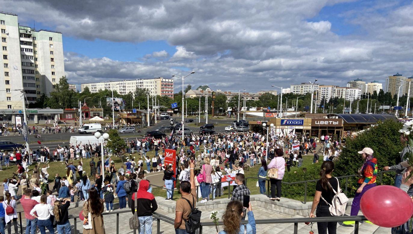 Fabryki i zakłady pracy od rana protestują na Białorusi (fot. PAP/Justyna Prus-Wojciechowska)