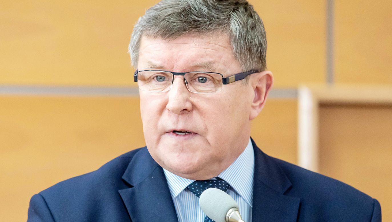 Zdaniem europosła PiS ominięcie Polski i Węgier byłoby niezgodne z unijnymi traktatami (fot. PAP/Tytus Żmijewski)