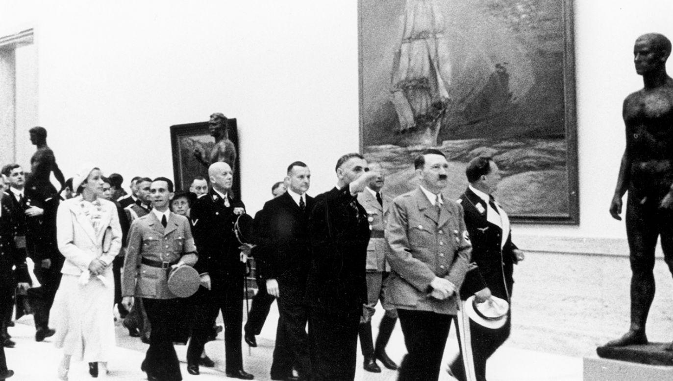 Niemcy zrabowali w Polsce ok. 516 000 pojedynczych dzieł sztuki (fot. Art Images/Heritage Images/Getty Images)