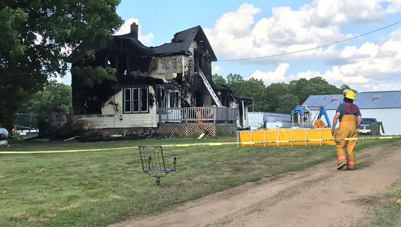 W pożarze zginęło czworo dzieci (fot. TT/Natalie Brophy)