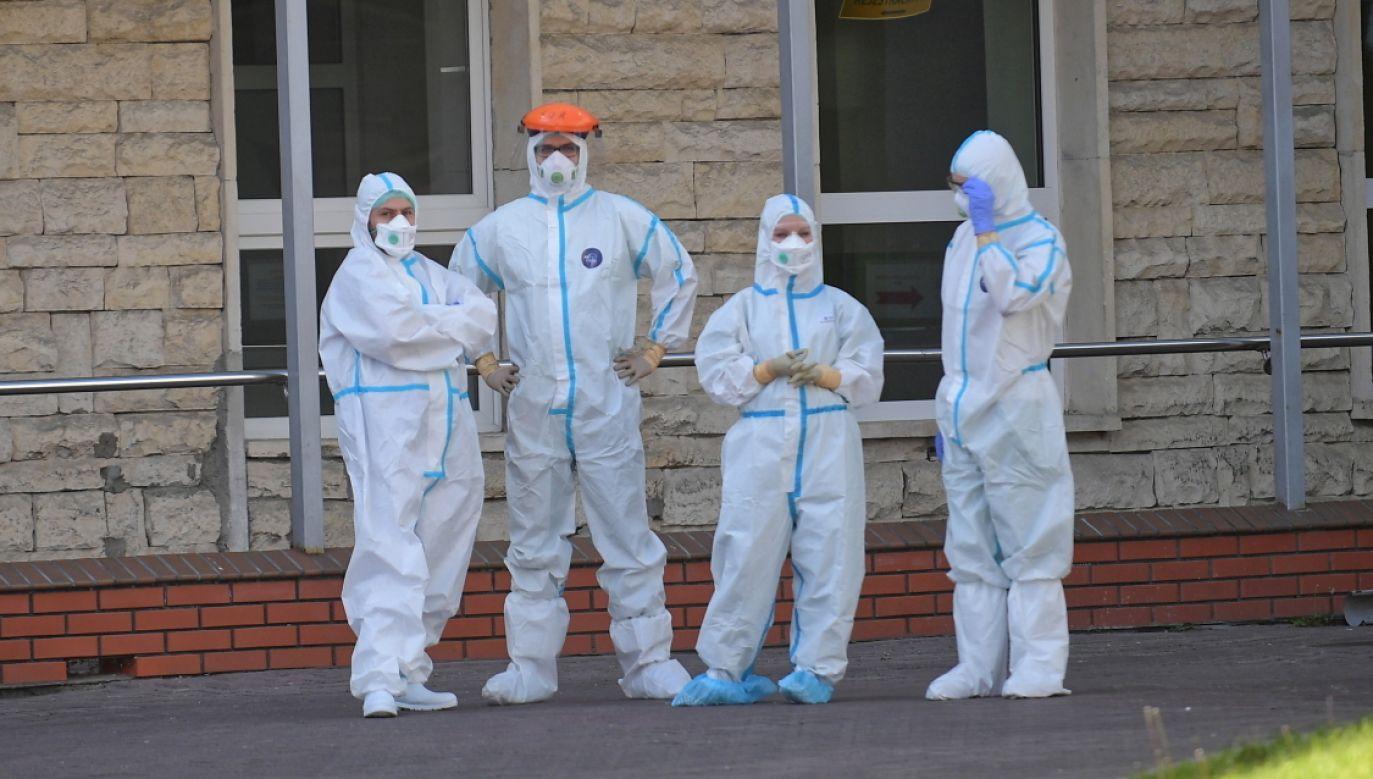 Szwecja. Spór o strategię walki z koronawirusem. (fot. PAP/Marcin Obara)