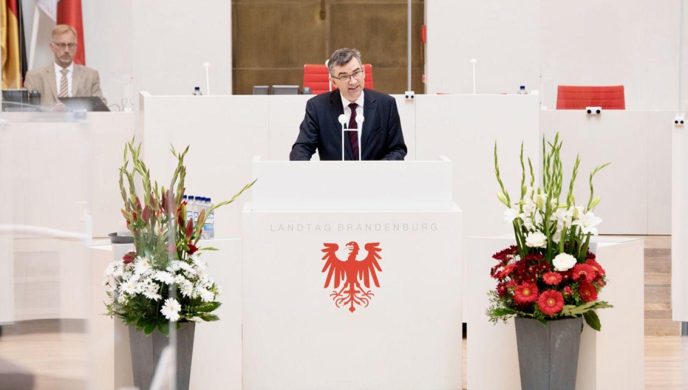 Kilku korespondentów niszczy 30 lat osiągnięć – przestrzegał ambasador Przyłębski  (fot. tt/@Brandenburg_LT)