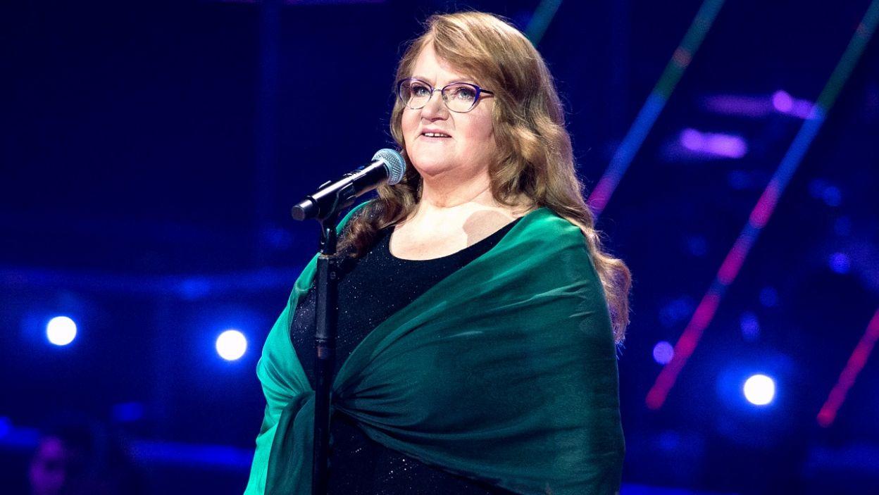 """""""Jest cudnie"""" z repertuaru Maryli Rodowicz  zaśpiewała Bogumiła Kucharczyk-Włodarek (fot. TVP)"""