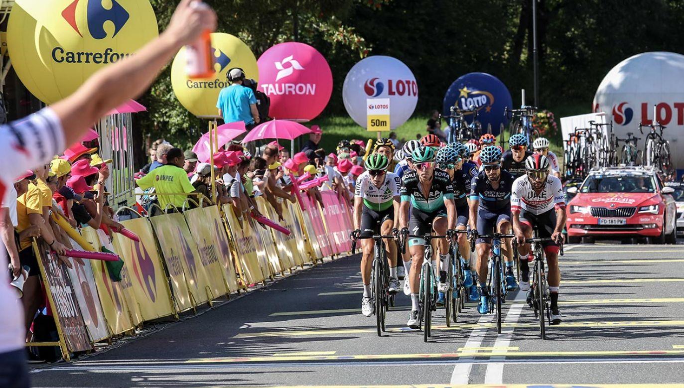 To pierwszy na świecie etapowy wyścig najwyższej kategorii World Tour po blisko pięciomiesięcznej przerwie (fot. Dominika Zarzycka/NurPhoto via Getty Images)