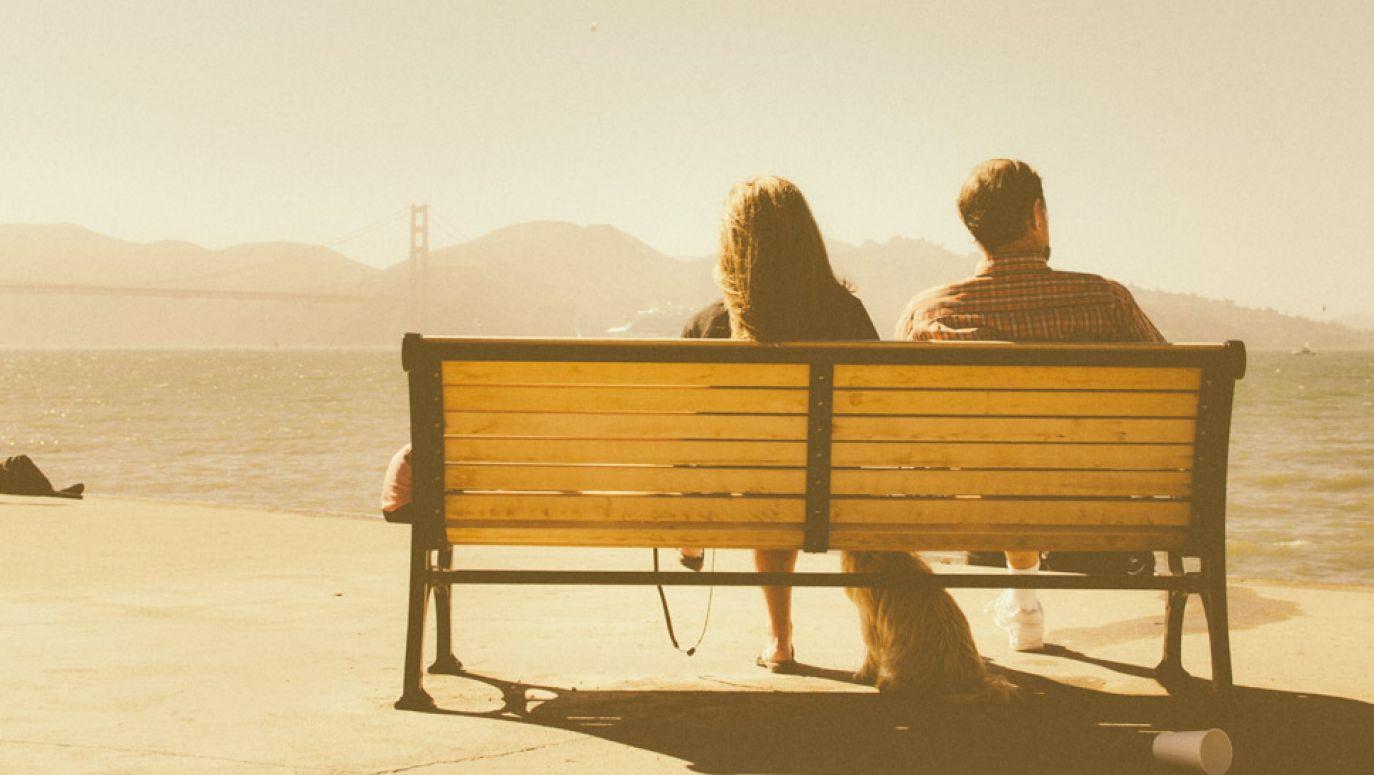 randki nastolatków i romantyczne relacje